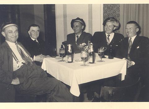 Sippy, Däiwel, Kremen a Kloûf 1952